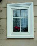 Fenster mit Sprossenrahmen und individueller Außenverkleidung
